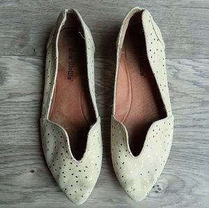 Gee wawa anthropologie flats cream size 9 LEATHER